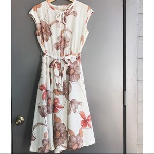 • Vintage floral dress